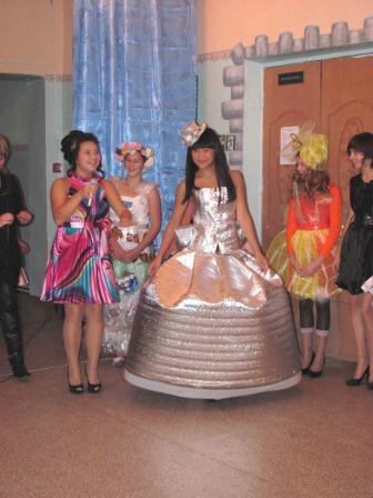 Платья на осенний бал фото своими руками